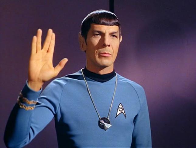 """""""Vida longa e próspera"""" - disse Spock sobre a retrospectiva """"Jornada nas Estrelas - Brasil: A Fronteira Final"""", que começa hoje na Caixa Cultural do RJ."""