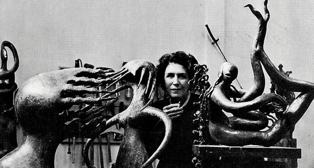 Surrealistas como Breton e Péret, encontraram nos trabalhos de Maria Martins aspectos que eram caros a eles, como o encontro com a natureza.