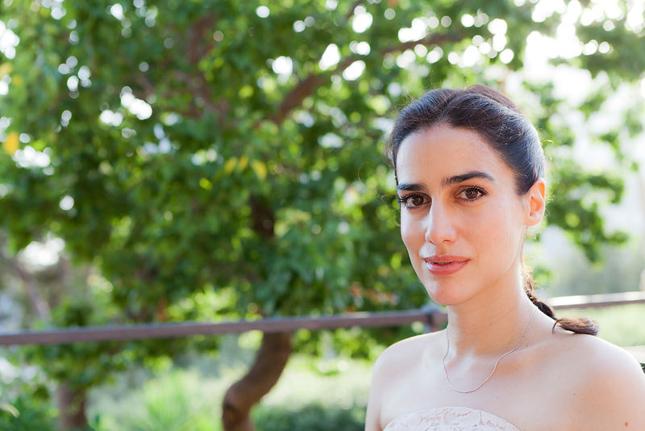 """Lila Azam, autora de """"O encantador – Nabokov e a felicidade"""", arrebatou corações na Festa Literária Internacional de Paraty ao dar uma palhinha adorianiana plus sotaque de """"Trem das Onze""""."""
